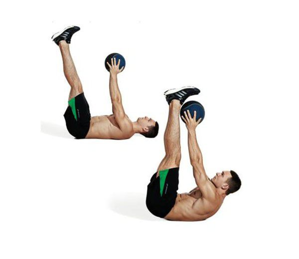 Tư thế chữ V với bóng tập thể lực Medicine Ball
