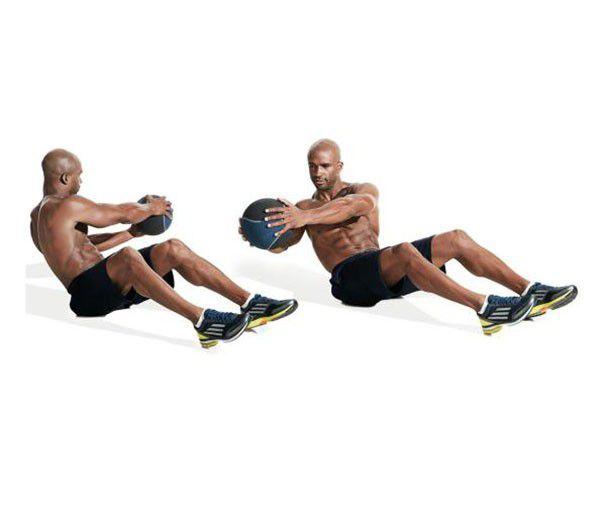 Động tác xoay người với bóng tập thể lực Medicine Ball