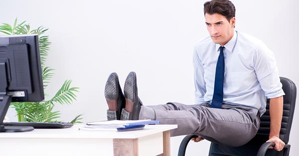 5 tư thế giảm đau nhức cơ bản cho dân văn phòng