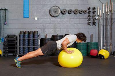 Động tác hít đất với bóng Swiss -Swiss-Ball Push-Up (Feet on Floor)