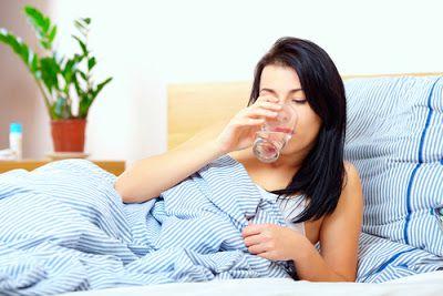 Uống 1 ít nước trước khi ngủ rất có ích