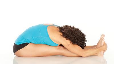 Tư thế Yoga gập người tới trước