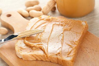 Bơ đậu phộng là món ăn tăng cân rất tốt