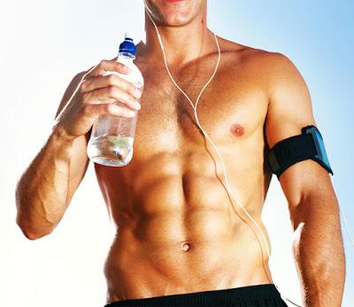Bổ sung nước uống đầy đủ mỗi ngày