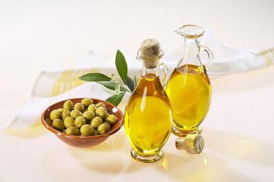 Dầu Oliu chứa nhiều chất béo hòa tan tốt cho việc giảm cân nhanh