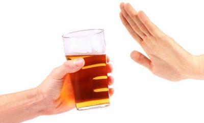 Hạn chế tối đa uống bia rượu