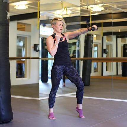 Những bài luyện tập KickBoxing để giảm mỡ mọi nơi mọi lúc