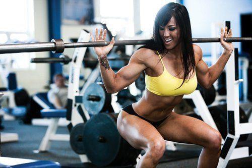 Bài tập Squat cho nữ giúp vòng 3 nở nang hơn