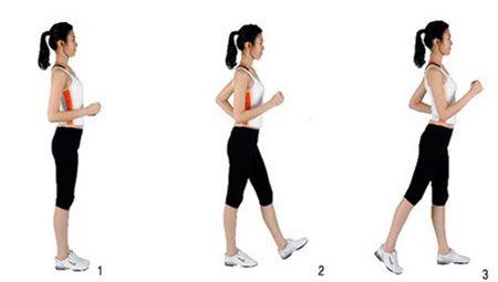 Giữ tư thế thẳng người khi đi đứng