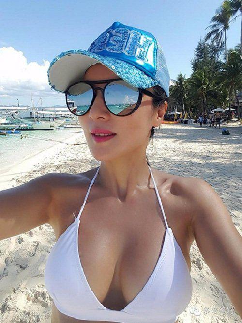 Ngày nào bà Ye cũng đi bơi. Hồi tháng 3, bà đã bơi qua eo biển Malacca nằm giữa bán đảo Malaysia và đảo Sumatra của Indonesia.