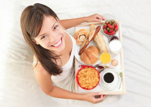 Ăn uống đẩy đủ chất để tăng cân tốt hơn