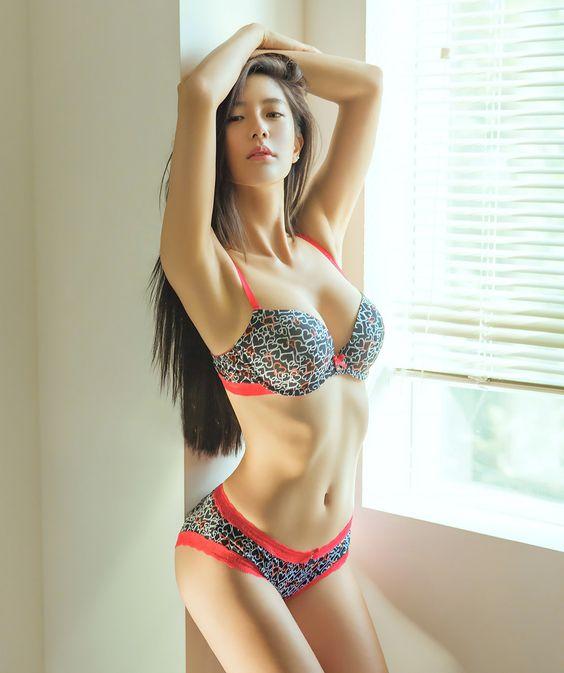 7 phút tập bụng tại nhà cho nữ để sở hữu bụng phẳng eo thon