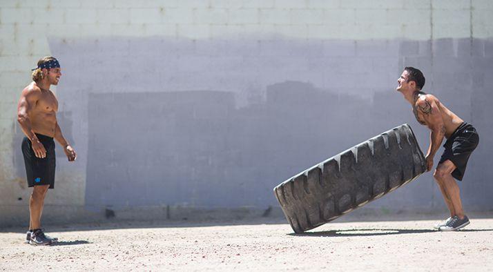 Bài tập lăn bánh xe - Tire Flip