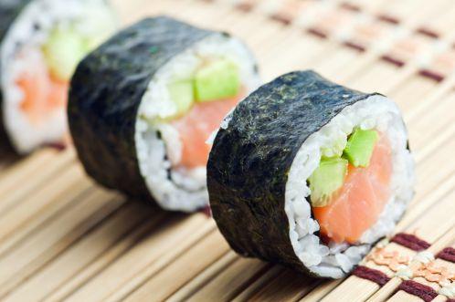 Lượng calo sushi rất lớn khiến bạn tăng cân chóng mặt