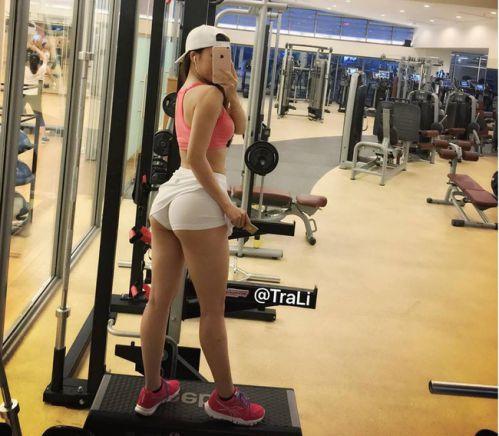 Ảnh gái xinh tập gym