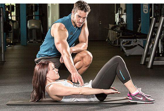 Chạm vào cơ để cảm nhận cơ bắp