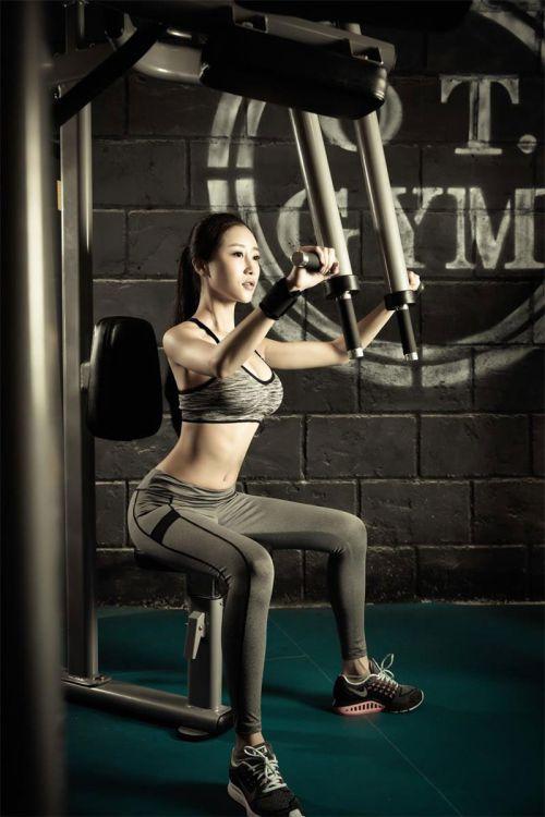 Ăn uống đủ Protein sẽ giúp lên cơ ngực nhanh hơn