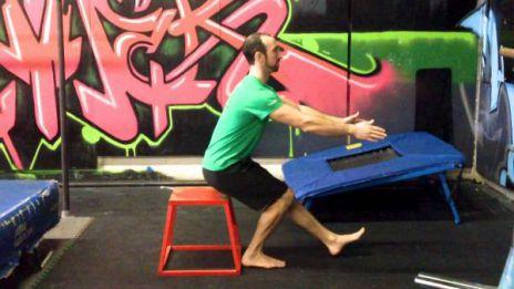 Leg Box assist squats - Squat 1 chân trên bục cao