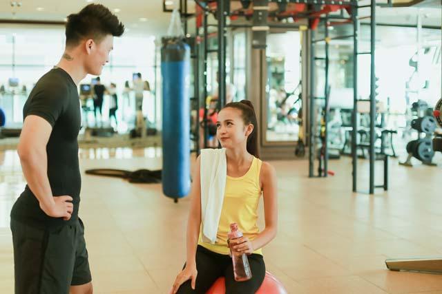 Cùng nghía xem Next Top Ngọc Châu tập gym như thế nào để giữ dáng