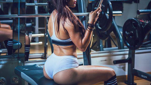 Tại sao nên yêu một cô gái tập gym