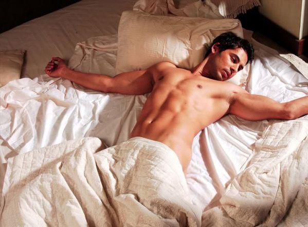 Thủ dâm nhiều có nguy cơ tụt Testosterol gây teo cơ bắp ?