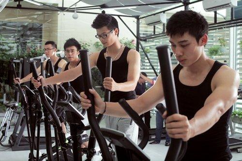 Tập gym hiệu quả xoa tan nỗi lo cho mùa hè nắng nóng