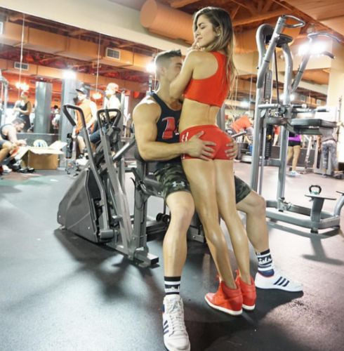 Ngất ngây với cặp đôi phòng gym triệu like Anllela Sagra và Tomas Echavarria