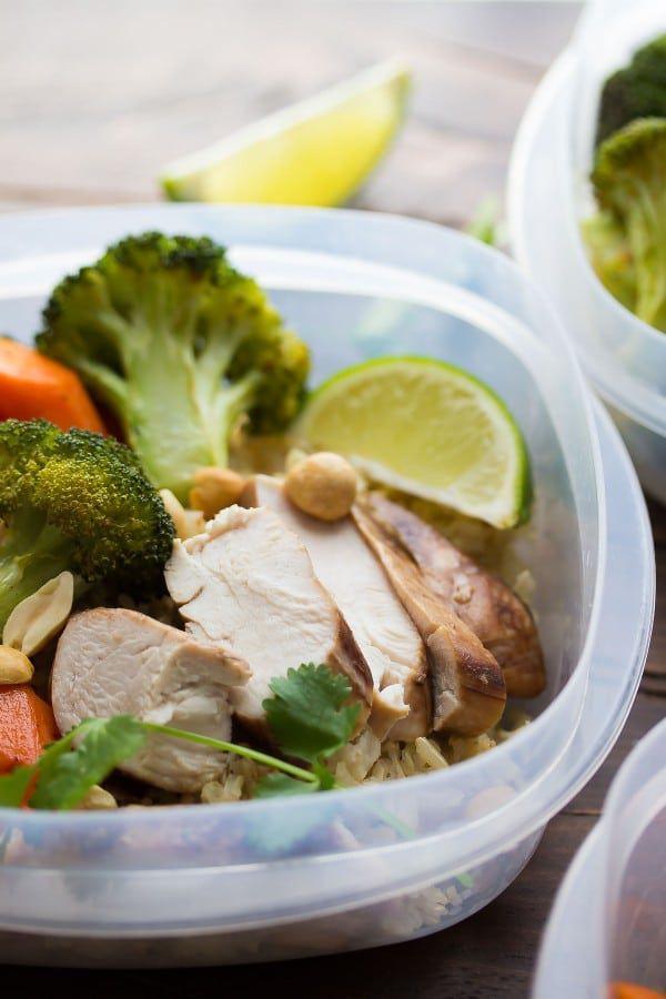 Gà kiểu Thái cho ăn trưa - 21 cách chế biến ức gà cho gymer cực ngon ăn bao chất [P3]
