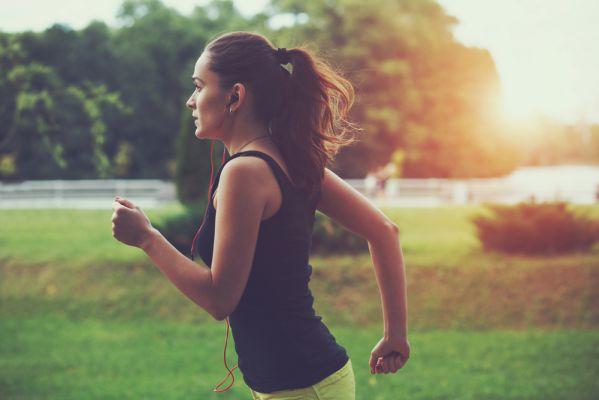 Chạy bộ mỗi ngày có tốt không ? 18 lợi ích nhờ việc chạy bộ thường xuyên