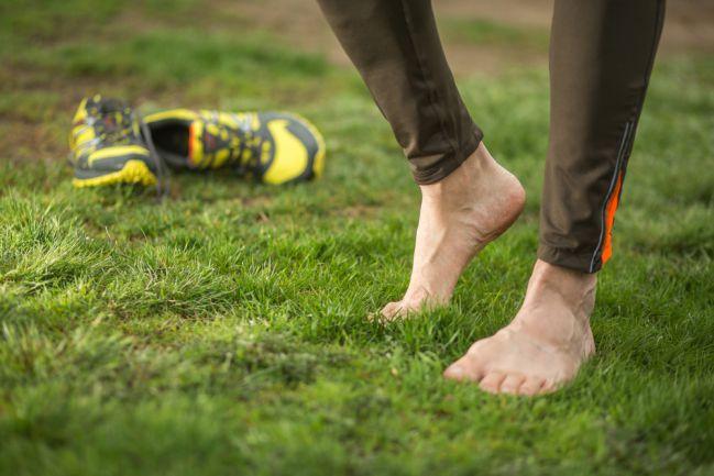 Kết quả hình ảnh cho chạy chân trần