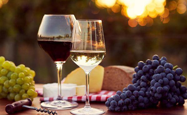 Uống rượu vang giúp giảm cân
