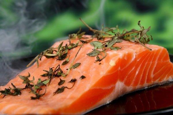Dầu cá giúp ngăn ngừa lão hóa
