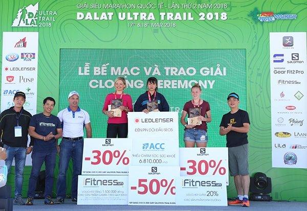 Các VĐV nữ chiến thắng giải 21km - Dalat Ultra Trail 2018