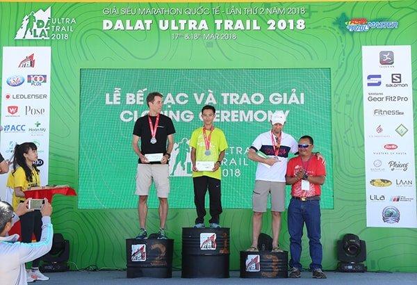 Các VĐV nam chiến thắng giải 42km - Dalat Ultra Trail 2018