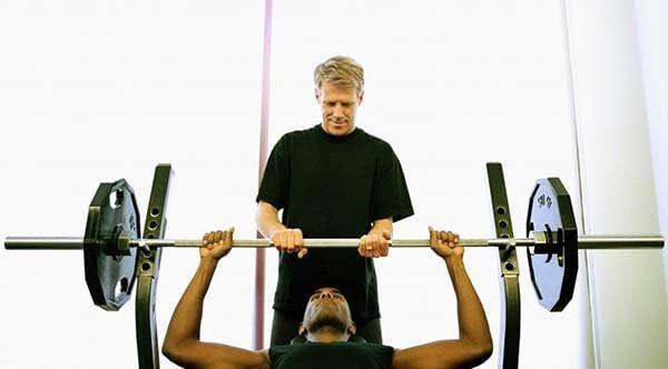 7 dấu hiệu để bạn biết có đứa bạn tập gym chung giỏi, có tâm hay không