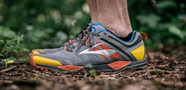 Giày chạy trail