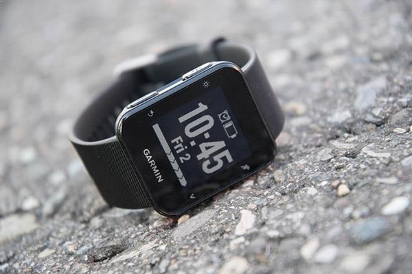 Garmin Forerunner 35 - Top 7 đồng hồ chạy bộ, theo dõi sức khỏe tốt nhất giá dưới 5 triệu