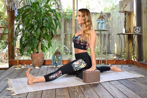 Muốn giảm mỡ bắp chân để có đôi chân thon đi ''bỏ bùa'' trai đẹp? Thử ngay động tác Yoga này!