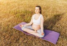 5 động tác yoga cho bà bầu giúp cải thiện xương chậu và tư thế khi mang thai
