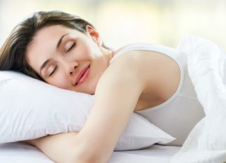 Yoga chữa mất ngủ với 3 tư thế cực dễ bạn có thể làm trước khi lên giường
