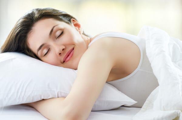 Yoga chữa mất ngủ: 3 tư thế cực dễ bạn có thể làm trước khi lên giường