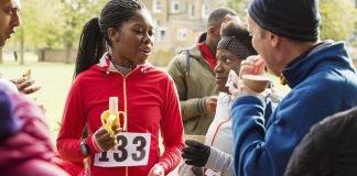 Dinh dưỡng chạy bộ: Làm thế nào để tiếp nhiên liệu cho cuộc chạy đua bán marathon
