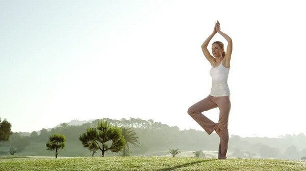 yoga trị đau cổ