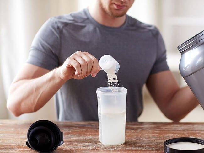Tại sao bạn nên uống whey protein trước khi ngủ?