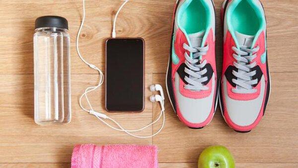 Mặc gì khi chạy bộ: 3 thứ cơ bản nhất định phải có cho người mới chạy bộ