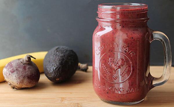 Sinh tố củ cải đường, gừng và các loại quả mọng
