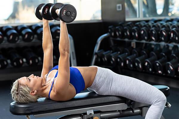 Tập luyện nâng tạ để giảm béo