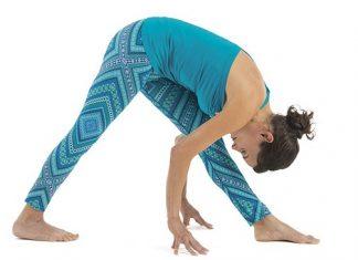 Hướng dẫn tập yoga tư thế Kim tự tháp - Intense side stretch (Parsvottanasana)