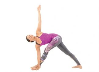 Hướng dẫn cách tập luyện tư thế tam giác vặn - Revolved Triangle Pose (Parivrtta Trikonasana)