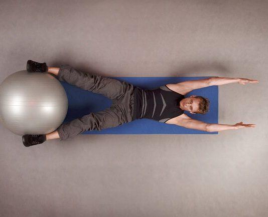 3 cách để sử dụng bóng Stability Ball để tập core